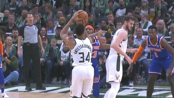 Giannis Eurosteps, hits 3 on consecutive drives