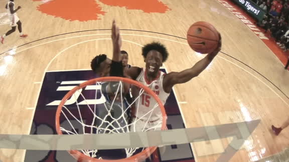 Clemson's Newman throws down thunderous slam