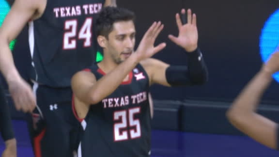 Moretti converts 4-point play for Texas Tech