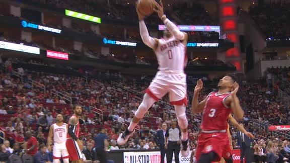 Westbrook pulls off unreal trick shot