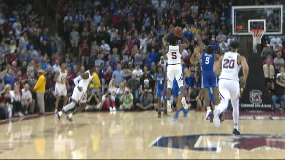 South Carolina knocks off Kentucky on buzzer-beating 3