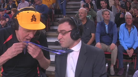 Bill Walton is back ... licking ties