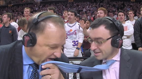 Dakich takes a page out of Bill Walton's book