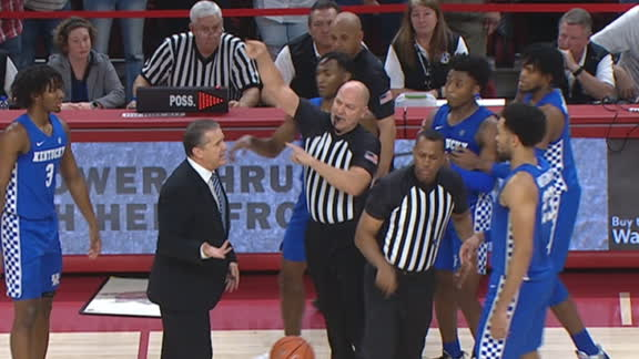 Coach Calipari gets tossed against Arkansas
