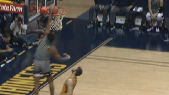 Culver throws down breakaway slam