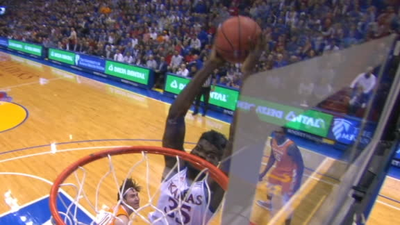 Azubuike fires up Kansas crowd with big dunk