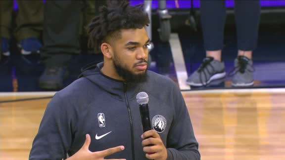 Karl-Anthony Towns honors Kobe at center court