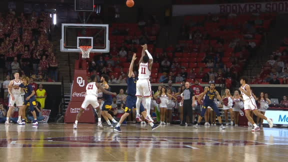 Harmon drains 3 to end 1st half for Oklahoma