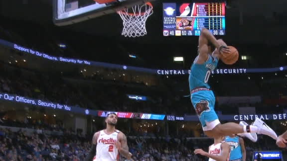 Grizzlies don't need to dribble for a Melton dunk
