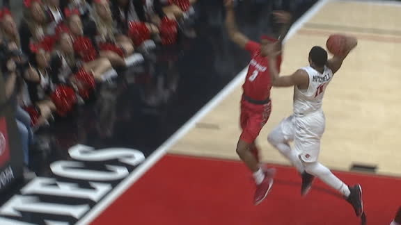 Mitchell throws down filthy dunk for Aztecs