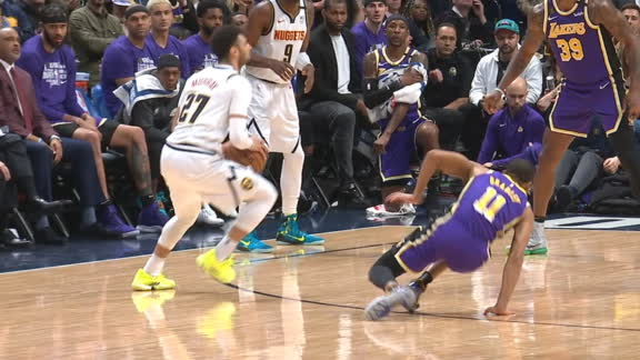 Murray breaks Bradley's ankles with filthy step-back