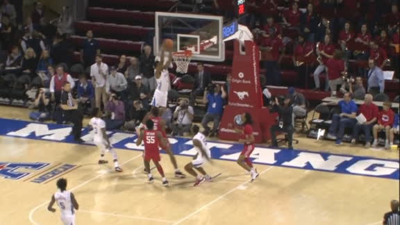 Houston turnover leads to SMU alley-oop