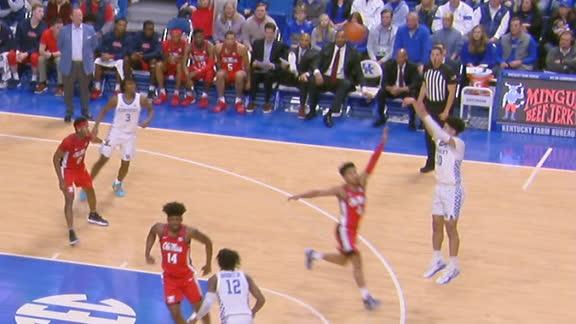 Juzang hits deep 3 for Kentucky