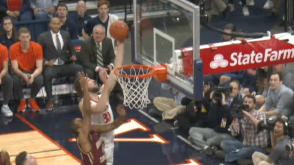 Huff adjusts for acrobatic alley-oop