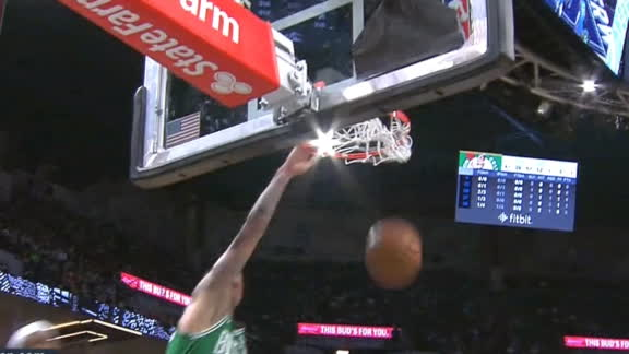 Smart's backwards pass sets up Theis' dunk