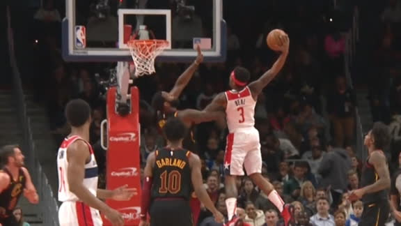 Beal posterizes Drummond with incredible slam