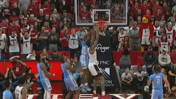 Williams throws down slam for Louisville
