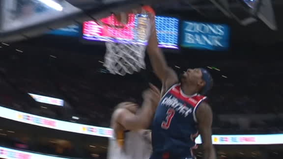Beal throws down monster slam