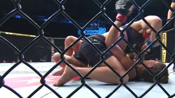 Moroz lands strong elbows on Silva
