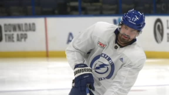 NHL's plan after 3 Lightning players test positive for coronavirus