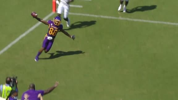 East Carolina uses trickery on 75-yard TD