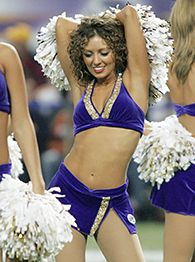 Vikings cheerleader