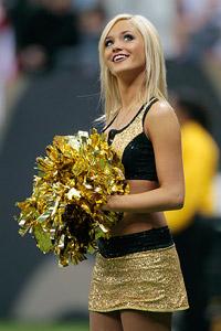 New Orleans Saints cheerleader