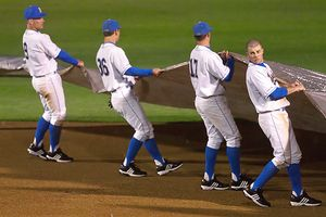 The UCLA baseball team has switched to the stirrup look for the 2010 season. Photo credit: Kimberly Lajcik/Daily Bruin