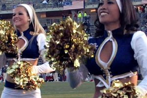 Colonials cheerleaders