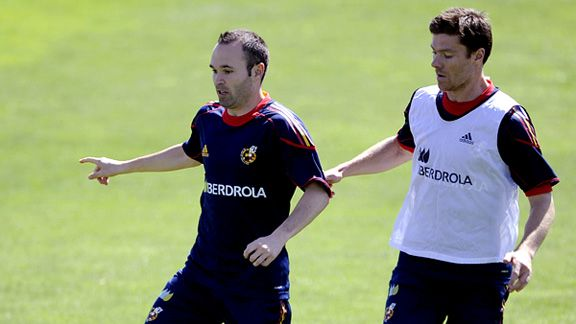 Andres Iniesta and Xavi Alonso