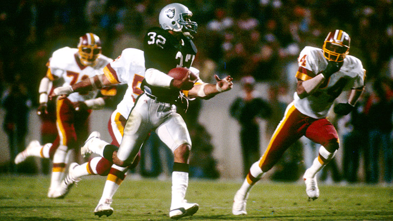 Marcus Allen takes 74-yard run to the house in Super Bowl victory