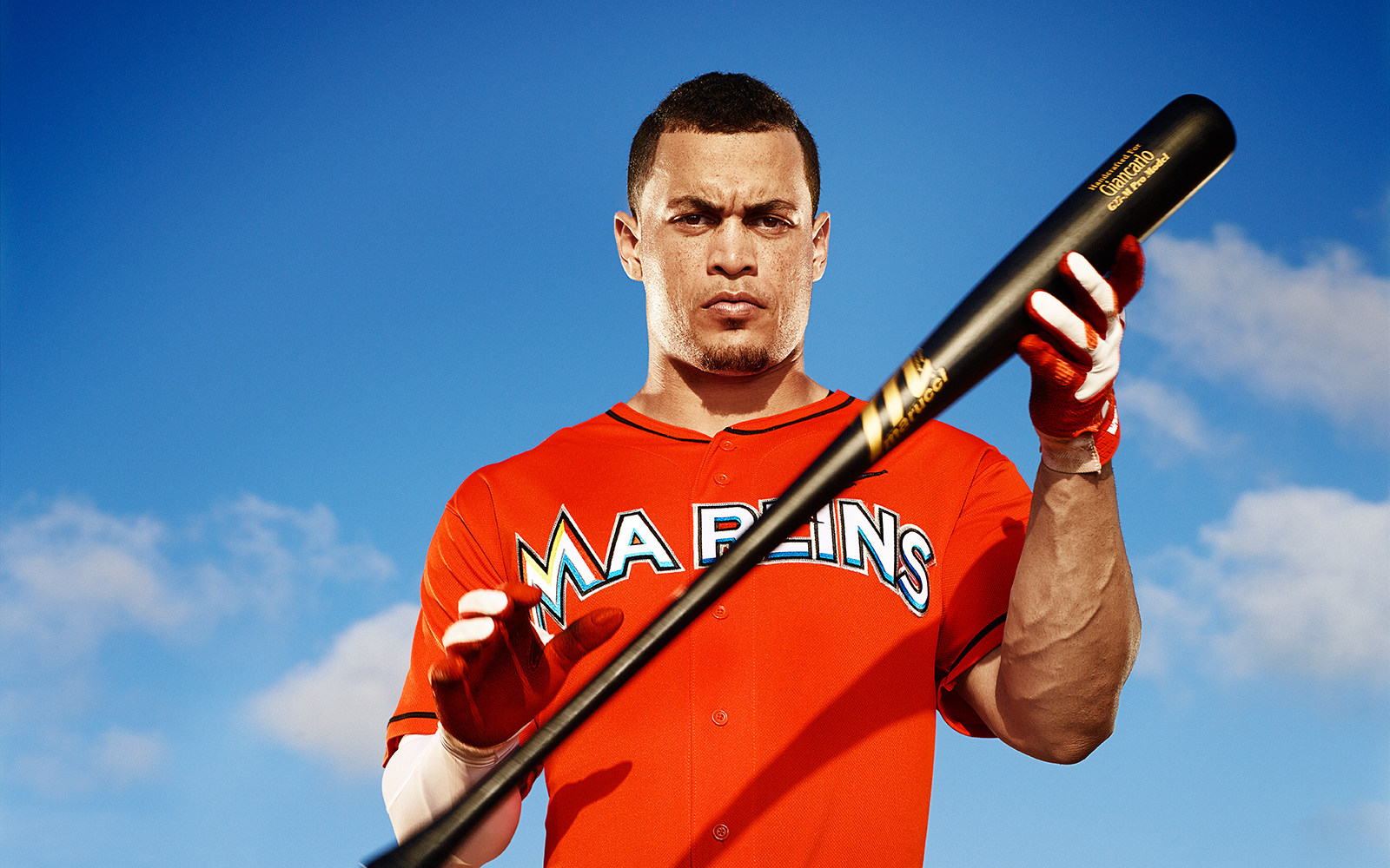 the latest 6fb37 69040 Giancarlo Stanton takes $325 million contract to play for ...