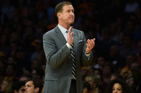 Stotts agrees to multiyear extension with Blazers