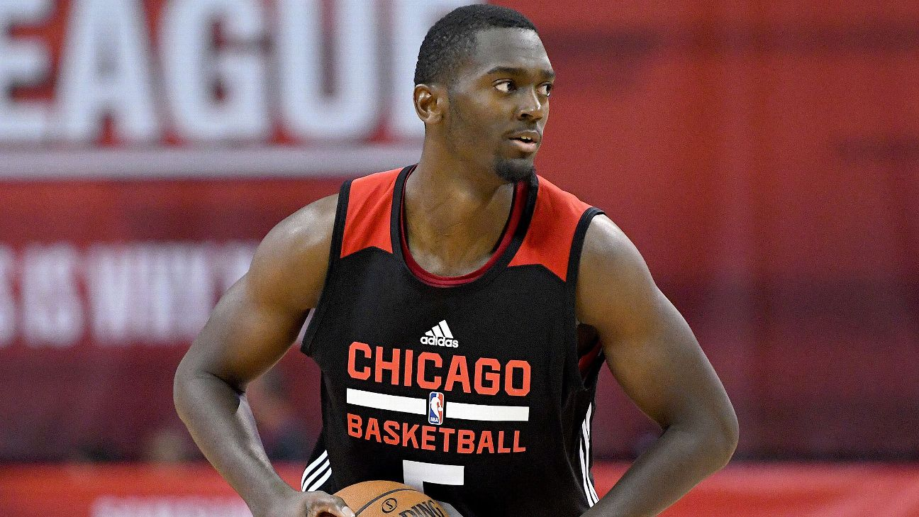 40d1a38951c1 Bulls forward Bobby Portis out 4-6 weeks with MCL sprain