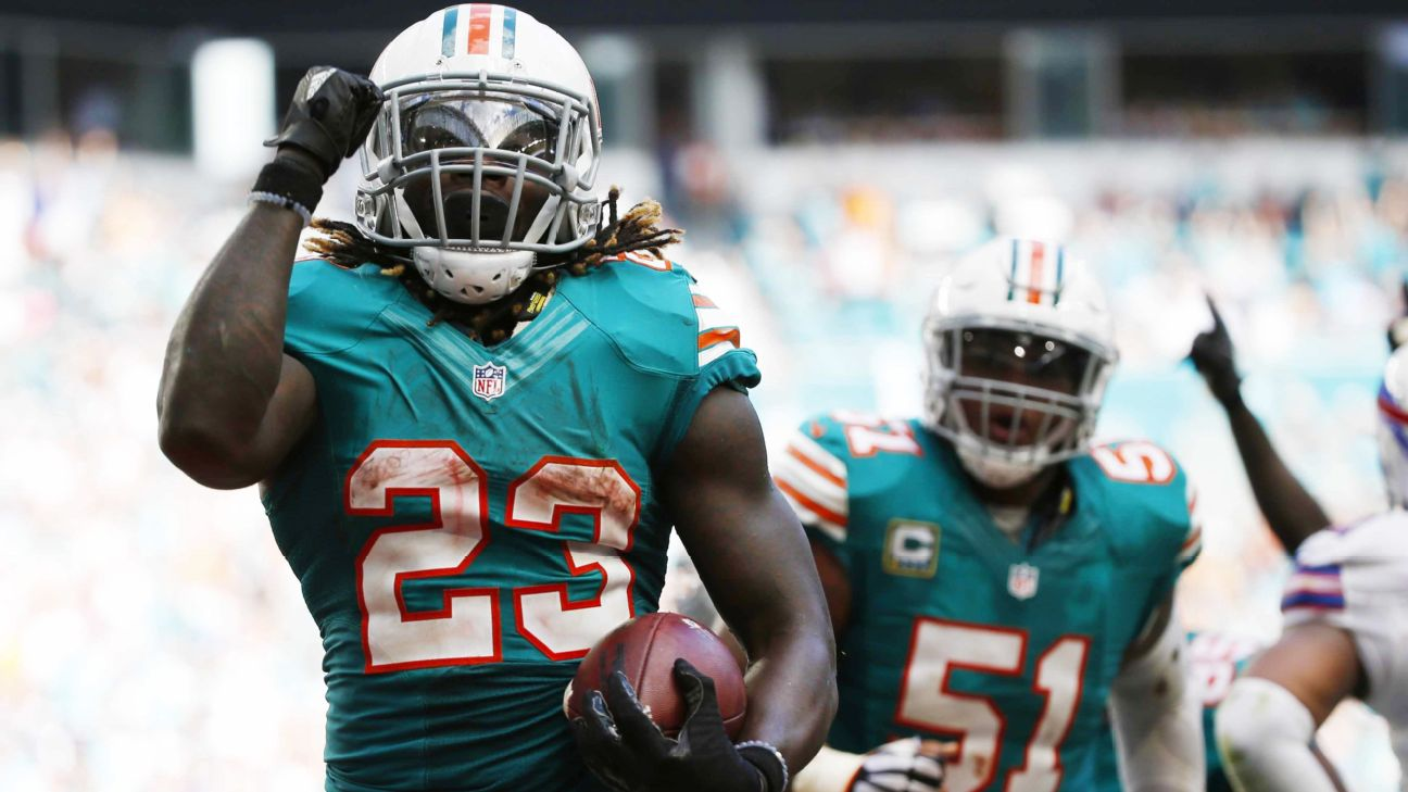 Miami Dolphins RB Jay Ajayi rushes for 200 yards in back-to-back games
