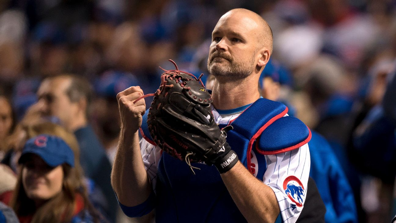 chicago cubs catcher david ross says goodbye to wrigley field