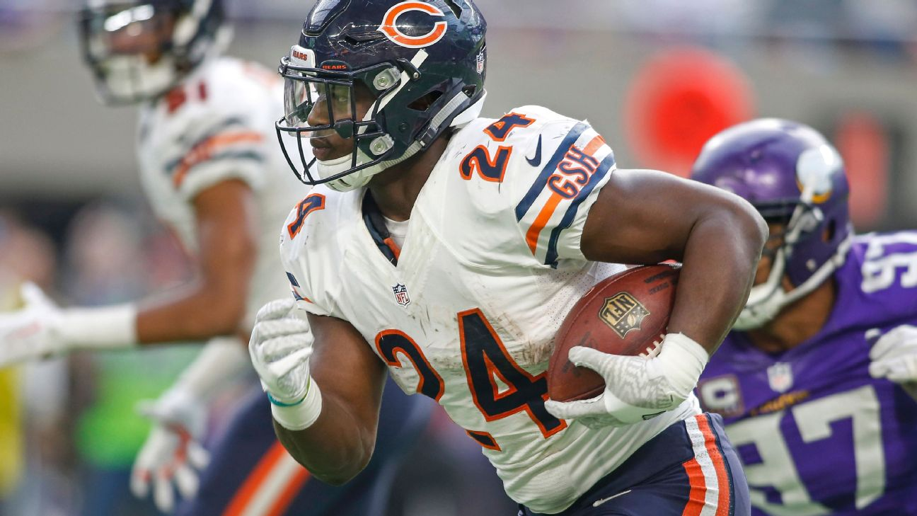 newest 558d5 3e8c6 Eagles obtain RB Howard from Bears for '20 pick | 6abc.com