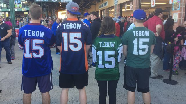 Tim Tebow has another top-selling jersey with Jacksonville Jaguars ...