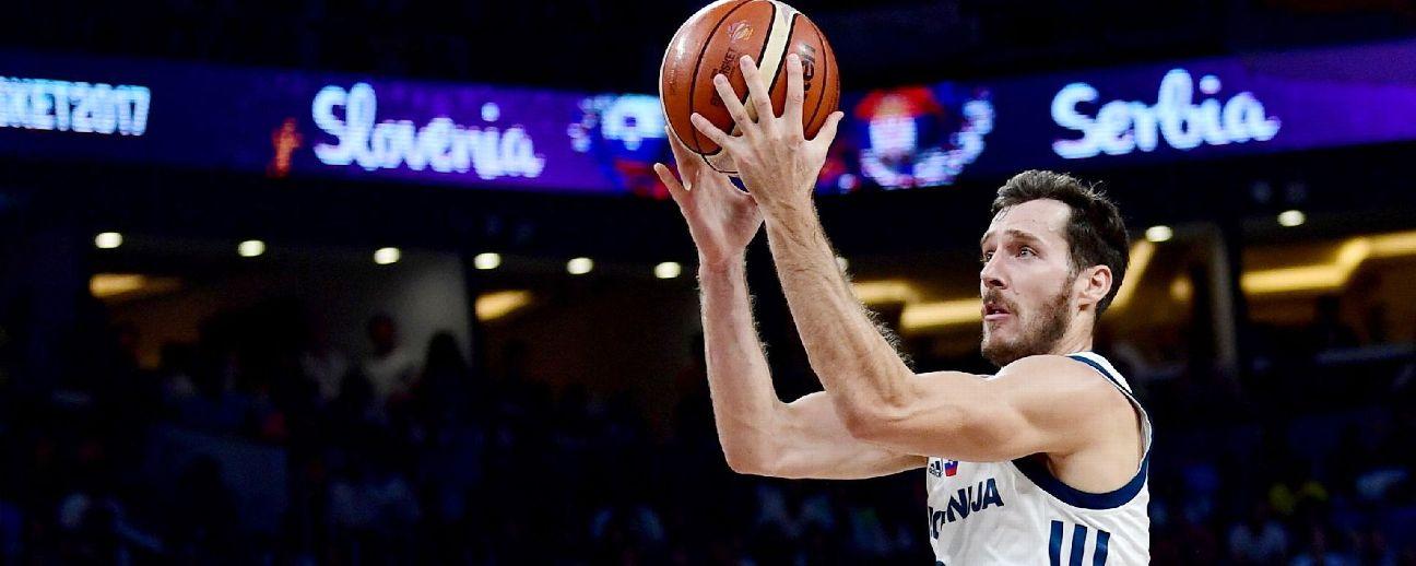 1b50f0960c9 Goran Dragic receives Drazen Petrovic jersey from late NBA star s f ...