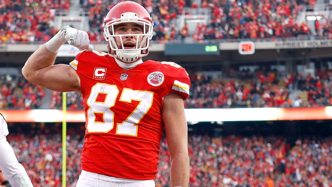 Chiefs' Travis Kelce, after signing extension, says it's 'a beautiful  thing' to have team's trust - ABC7 San Francisco