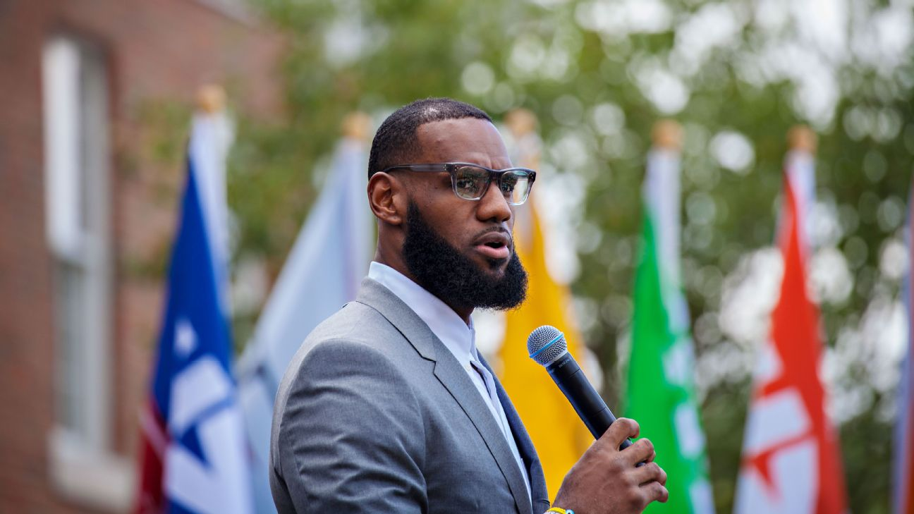 2f47fce4ce9 NBA players defend LeBron James after President Trump tweet
