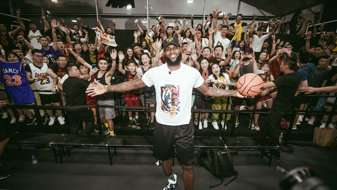 fe10aa69e9e In welcoming King James, China's Lakers fans have a choice to make ...