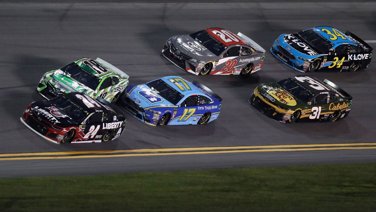 NASCAR rule changes to lower horsepower at larger racetracks