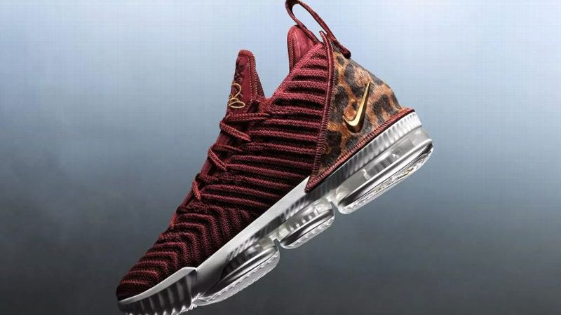 715293c37167 LeBron s opening night sneakers draw inspiration from 2003 Nike ...