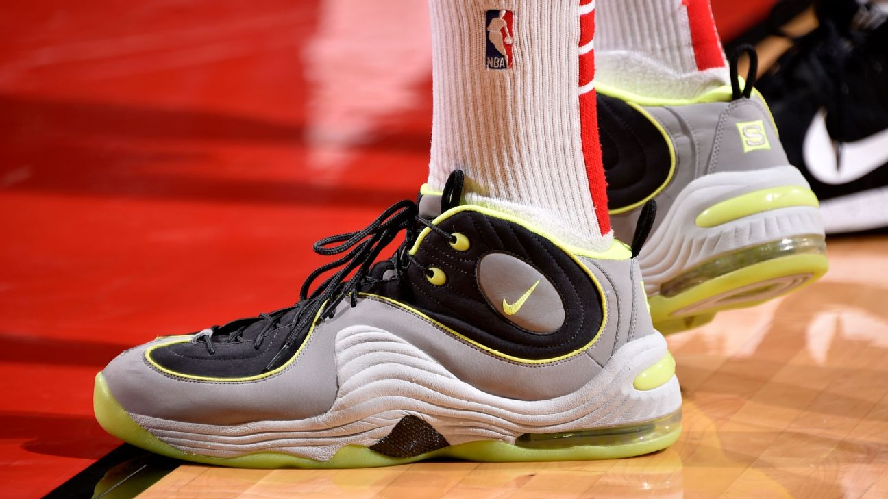 5e492e0c26a3 Which player had the best sneakers of Week 14 in the NBA