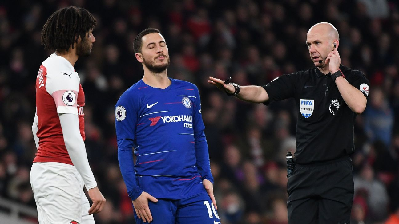 Chelsea's Eden Hazard reacts after missing a chance in his team's Premier League loss to Arsenal.