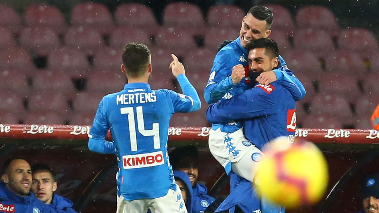 Callejon, Milik goals help Napoli hang on for win over 10-man Lazio