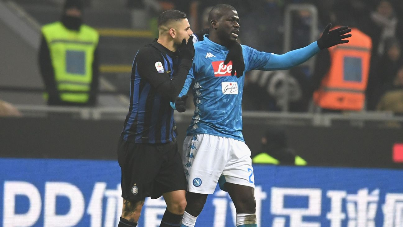 Mauro Icardi with Kalidou Koulibaly during Inter Milan vs. Napoli on Dec. 26