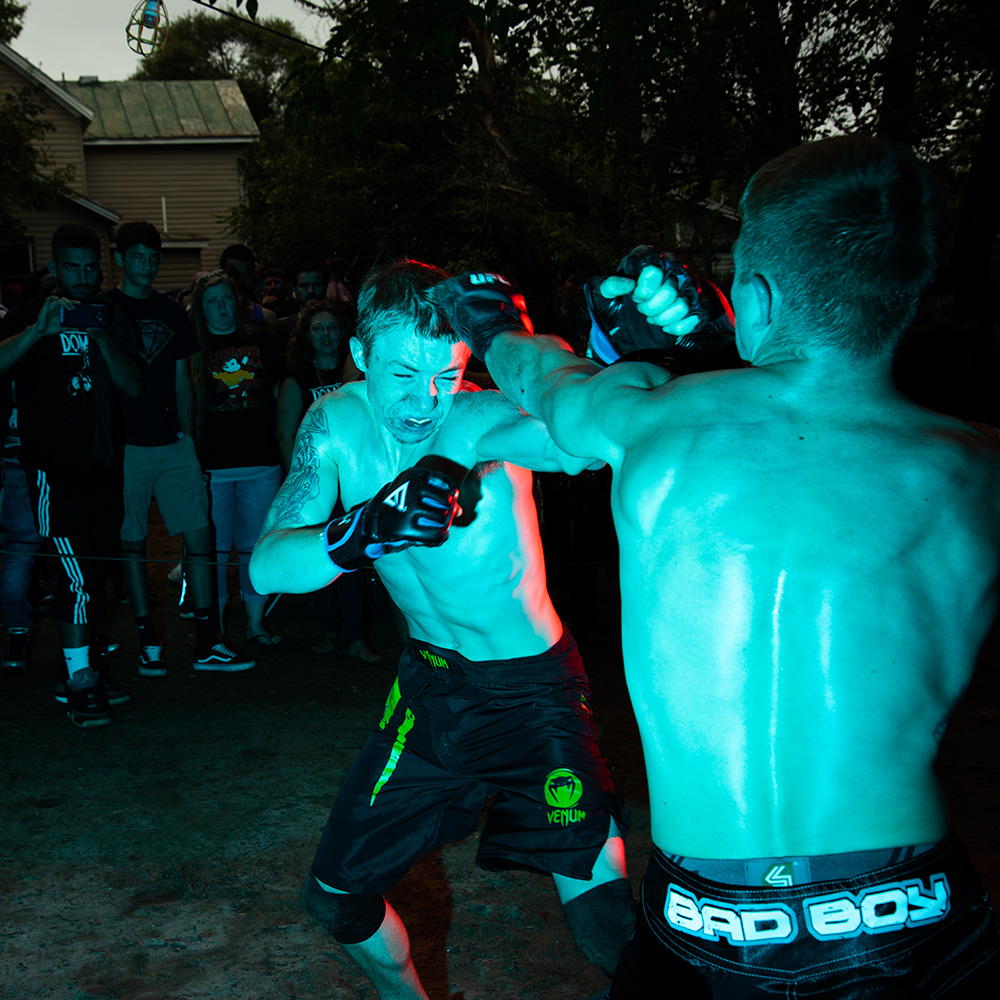 Chris Scarface Willmore Runs A Backyard Fight Club Called