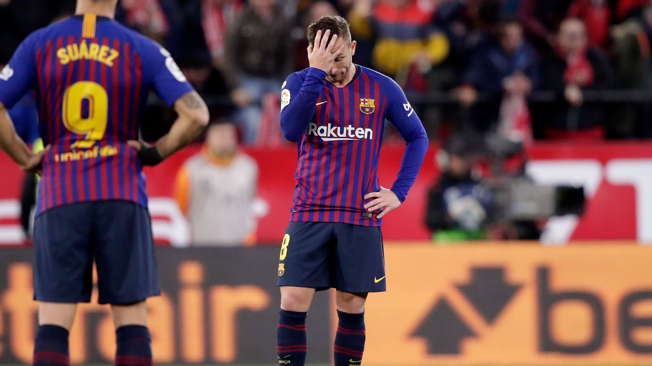 Barcelona midfielder Arthur reacts during his team's Copa del Rey loss to Sevilla.